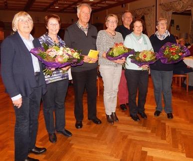 Auf dem Foto die Geehrten von links: Renate Bauer, Erika Nolteculemann, Karl-Heinz und Annegret Stock, Udo Golabeck Susanne Gröne, Annemarie Krüger