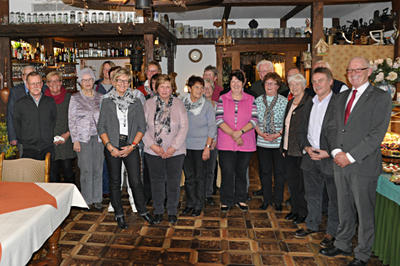Bürgermeister Heinz Reker bedankte sich bei den Ehrenamtlichen am Lügder Tag des Ehrenamtes 2015 © Volker Thiele
