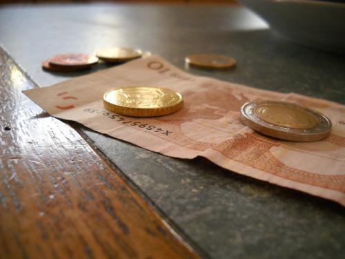 money-615878_1280