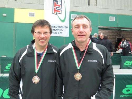 links Joachim Meyer zu Wendischhoff und rechts Bernd Wüstenbecker