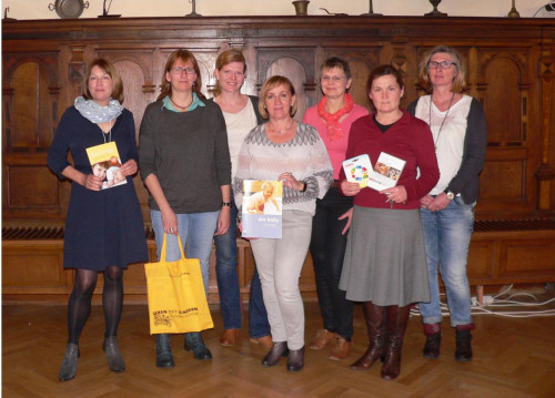 (von links: Sigrun Düe, Sonja Hommers (Lemgo), Corinna Höwing (Lage), Ulrike Räker (Detmold), Dagmar Wietheger – Claes (Kreis Lippe), Helene Dürksen(Lemgo) und Reinhild Meier – Kern(Kreis Lippe))