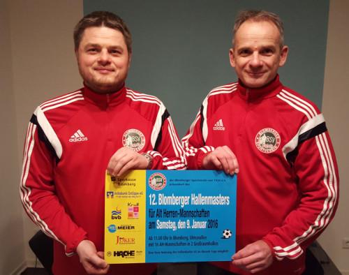 Haben die Turnier-Organisation fest im Griff: AH-Obmann Bernd Otte (r) und Willem de Vos vom Blomberger SV