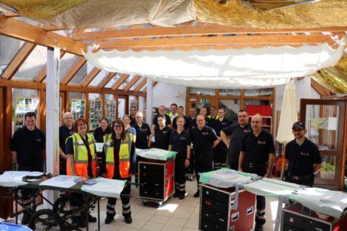 Das Team vom Sonntag – mobil und an festen Hilfestationen wie hier im Gemeindezentrum halfen die Johanniter verletzten Besuchern.