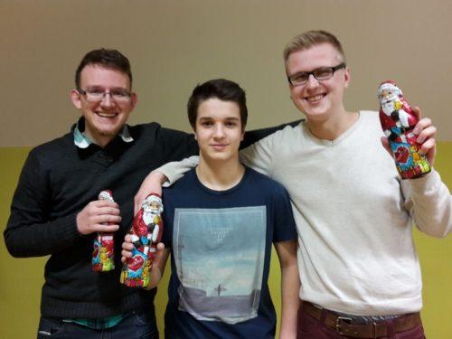 Die Sieger des Barntruper Weihnachtsblitzturniers 2016 (v.l.n.r.): Marvin Karsunke (2. Platz), Lennart Schünemann (1. Platz) und Lucas Gratz (3. Platz).